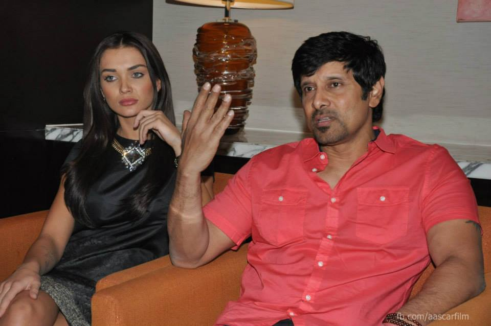 http://onlookersmedia.in/wp-content/uploads/2015/01/I-movie-press-meet-stills-Vikram-Amy-Jackson-Ai-Tamil-movie-stills-Onlookers-Media-12.jpg