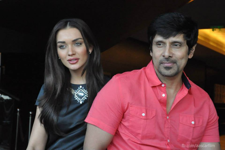 http://onlookersmedia.in/wp-content/uploads/2015/01/I-movie-press-meet-stills-Vikram-Amy-Jackson-Ai-Tamil-movie-stills-Onlookers-Media-24.jpg
