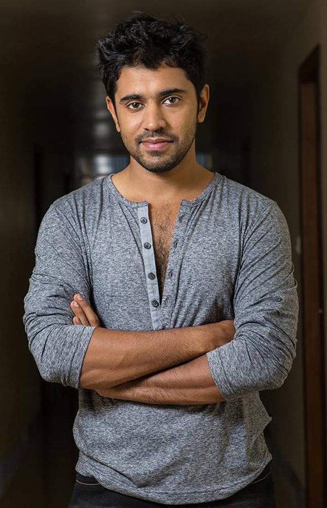 http://onlookersmedia.in/wp-content/uploads/2015/04/Nivin-Pauly-Stills-Images-Photos-Malayalam-Movie-2015-Onlookers-Media-10.jpg