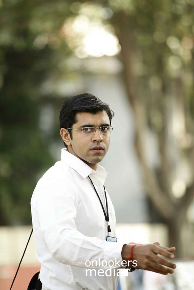 http://onlookersmedia.in/wp-content/uploads/2015/04/Nivin-Pauly-Stills-Images-Photos-Malayalam-Movie-2015-Onlookers-Media-18.jpg