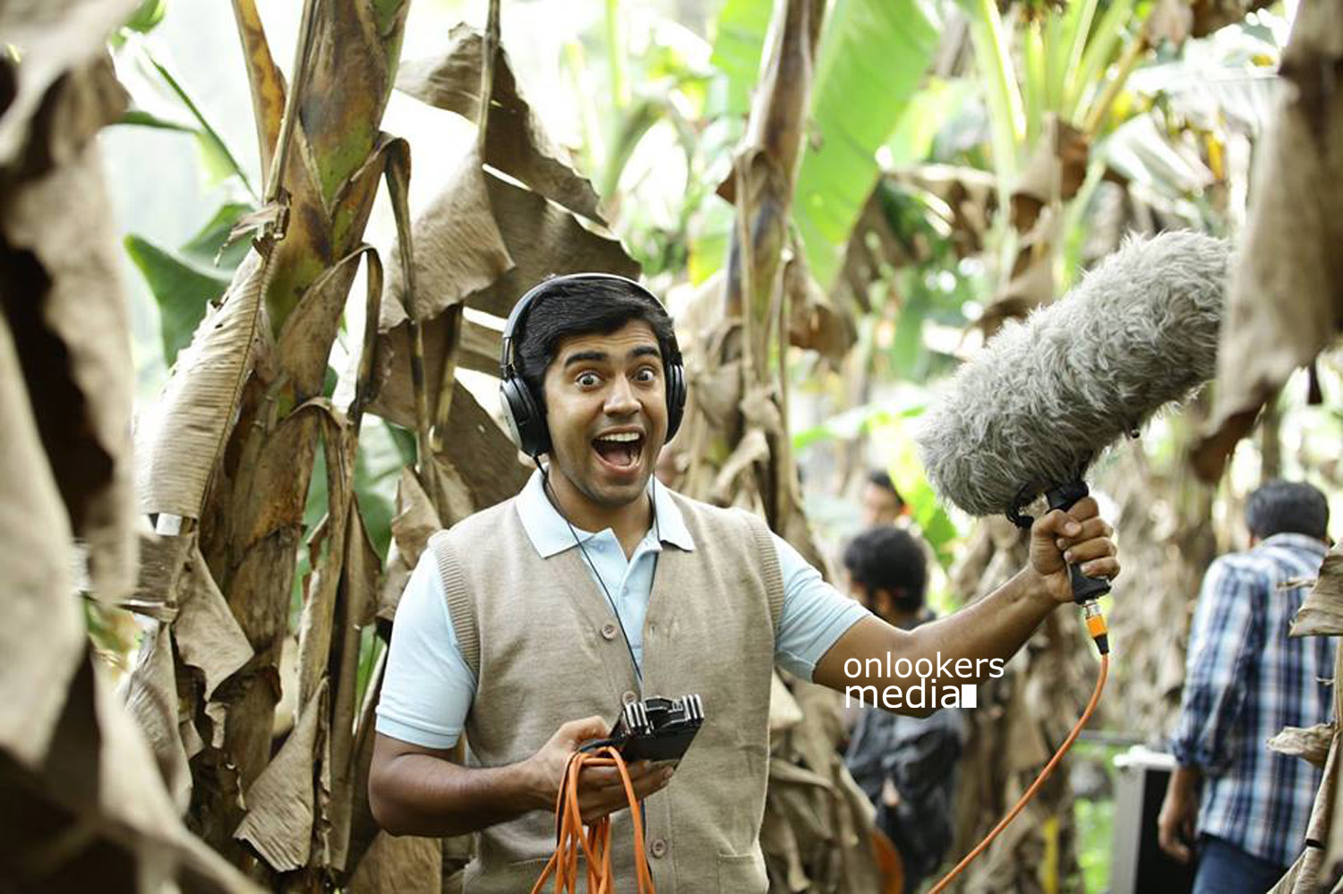 http://onlookersmedia.in/wp-content/uploads/2015/04/Nivin-Pauly-Stills-Images-Photos-Malayalam-Movie-2015-Onlookers-Media-24.jpg