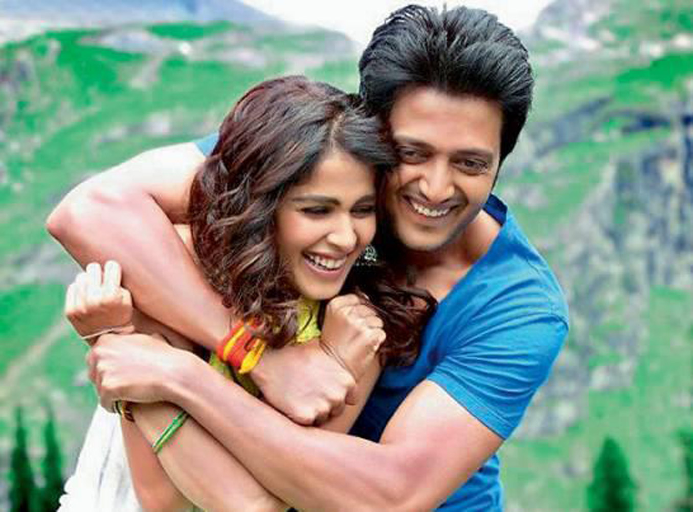 http://onlookersmedia.in/wp-content/uploads/2015/05/Riteish-Deshmukh-Genelia-Family-Stills-Images-Photos-Bollywood-Movie-Onlookers-Media-4.jpg