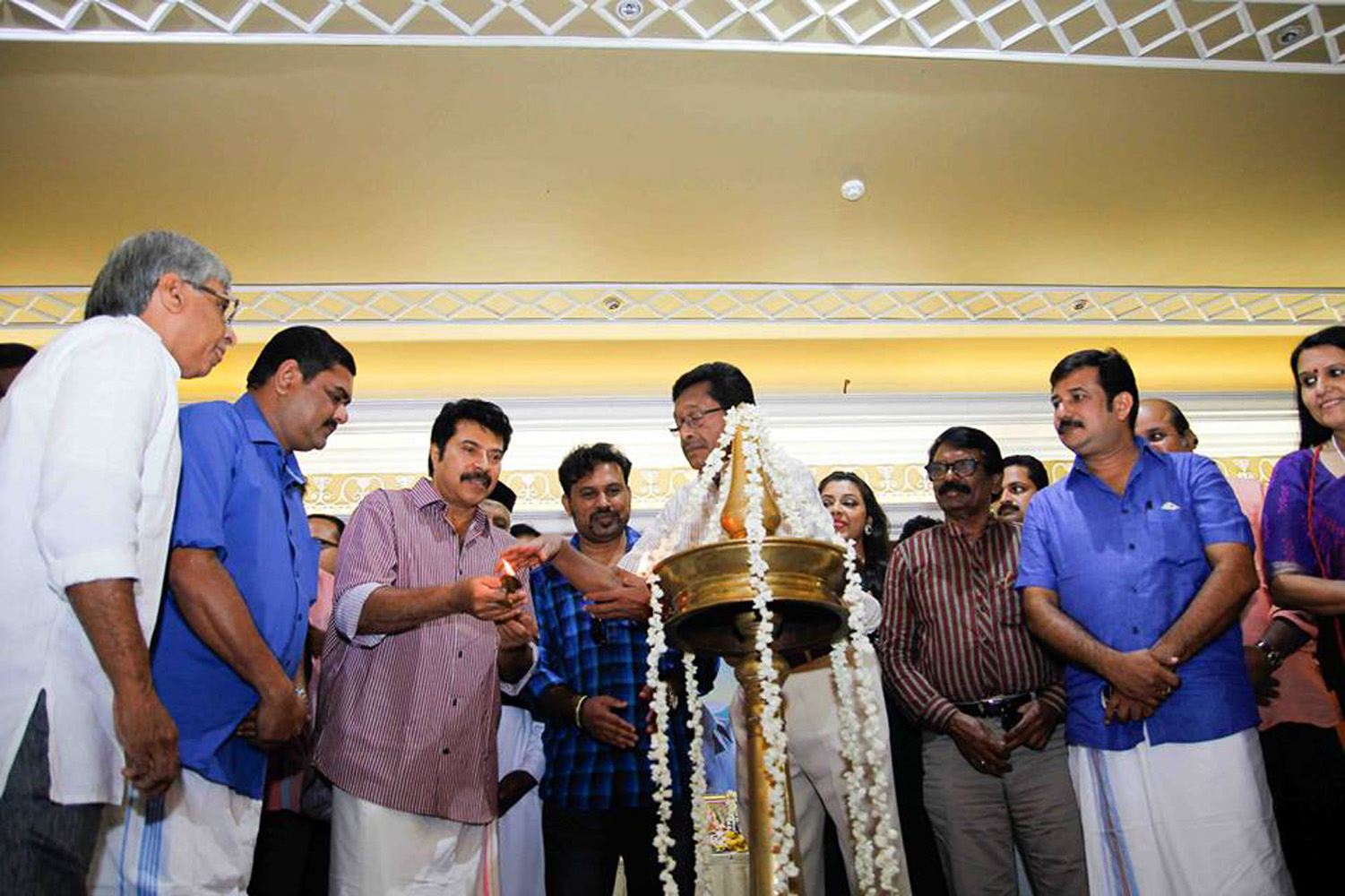 Utopiayile Rajavu Pooja Stills-Photos-Images-Mammootty ...