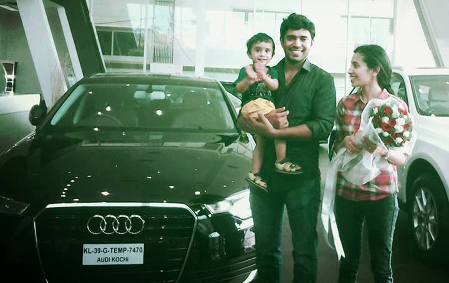 http://onlookersmedia.in/wp-content/uploads/2015/06/Nivin-Pauly-Son-Daveed-Pauly-Nivin-Pauly-Family-Rare-Photos-5.jpg