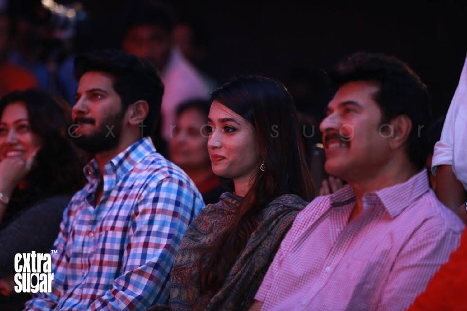 http://onlookersmedia.in/wp-content/uploads/2015/07/Dulquer-Salmaan-with-family-Amal-Sufia-2.jpg