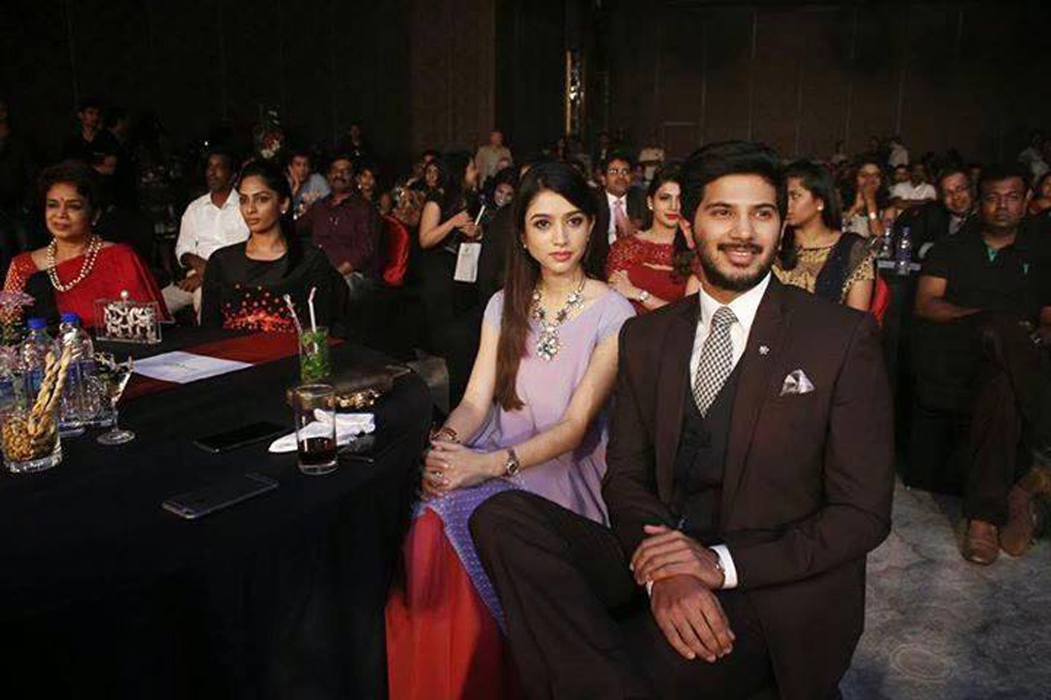 http://onlookersmedia.in/wp-content/uploads/2015/07/Dulquer-Salmaan-with-family-wife-Amal-Sufia-2.jpg