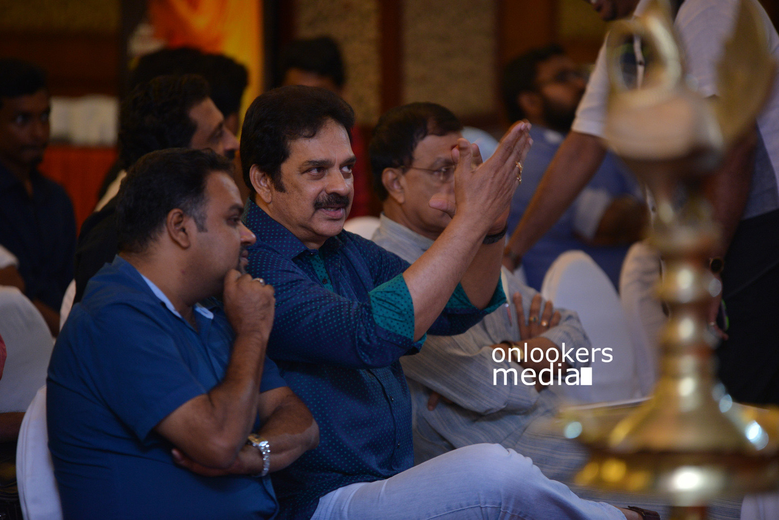 http://onlookersmedia.in/wp-content/uploads/2015/07/Rudra-Simhasanam-Audio-Launch-Stills-Photos-Images-7.jpg