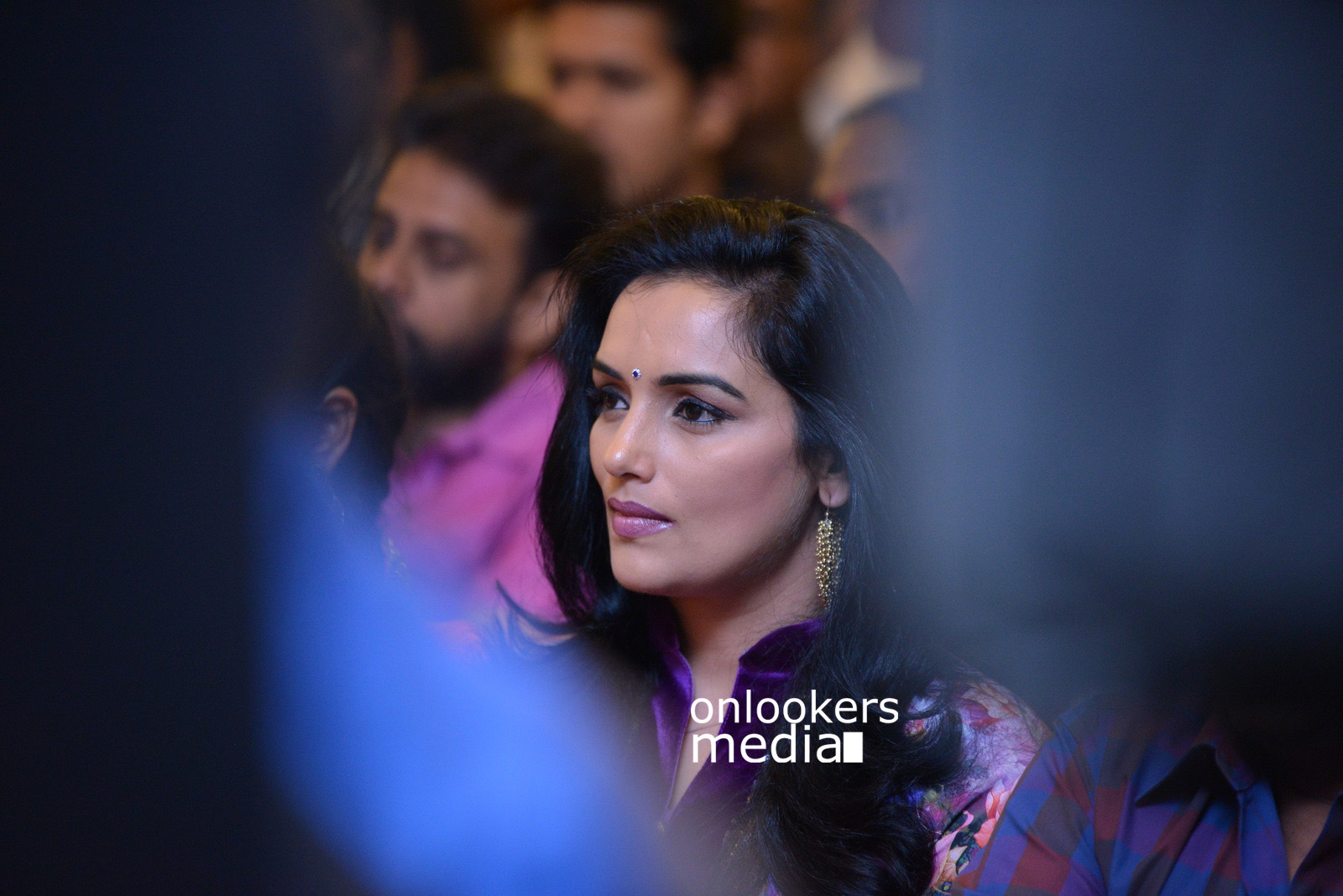 http://onlookersmedia.in/wp-content/uploads/2015/07/Swetha-Menon-at-Rudra-Simhasanam-Audio-Launch-Fanction-Stills-Photos-1.jpg