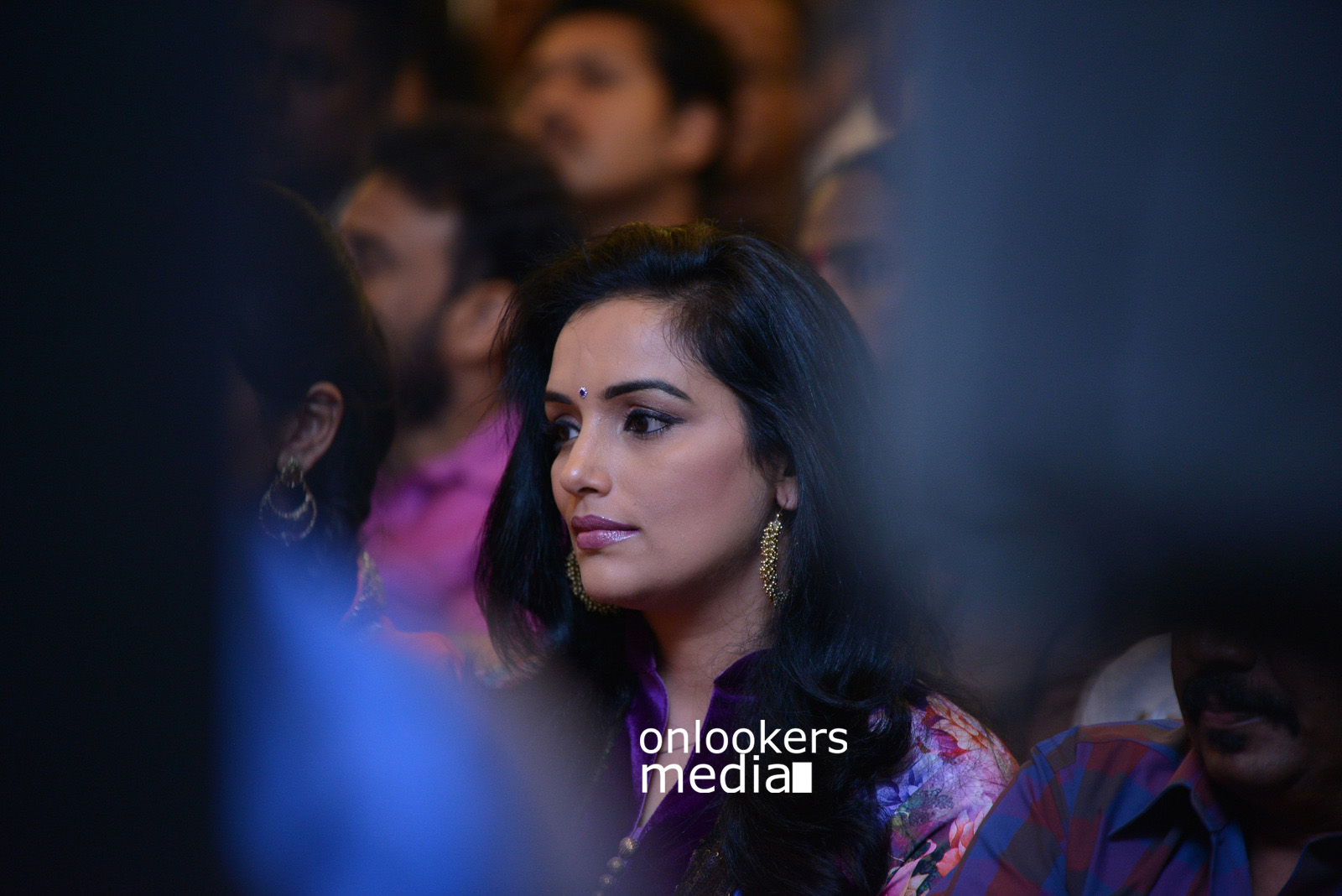 http://onlookersmedia.in/wp-content/uploads/2015/07/Swetha-Menon-at-Rudra-Simhasanam-Audio-Launch-Fanction-Stills-Photos-2.jpg