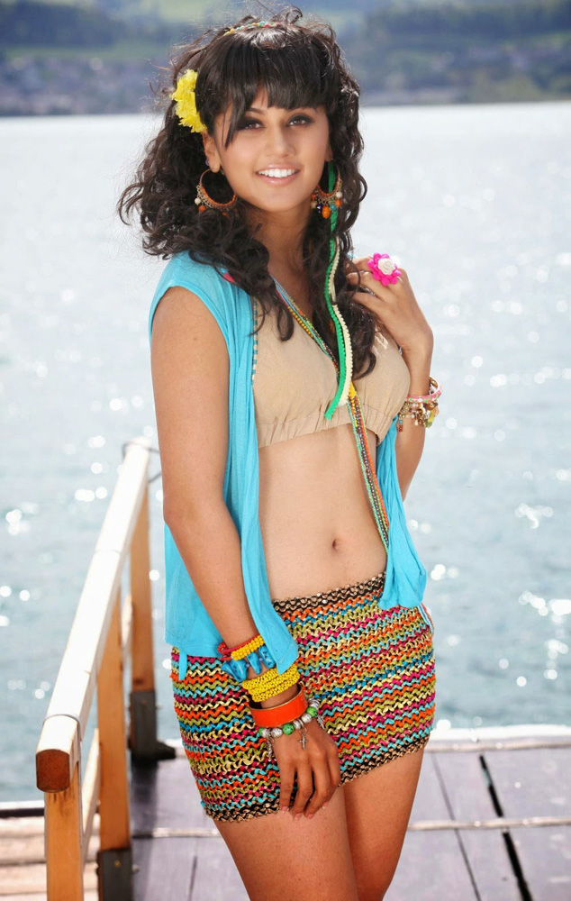 Tapsee pannu look a like - 1 4