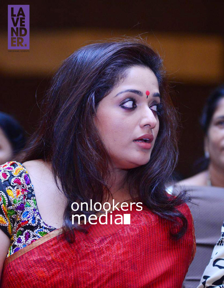 http://onlookersmedia.in/wp-content/uploads/2015/09/Kavya-Madhavan-at-Mukthas-Wedding-Function-Stills-Photo-12.jpg