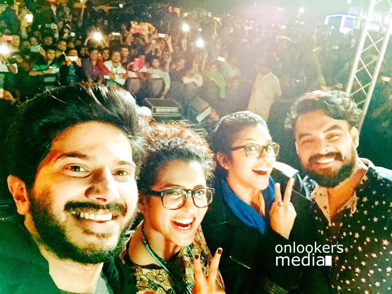 http://onlookersmedia.in/wp-content/uploads/2016/01/Charlie-Success-Celebration-at-Ajman-UAE-Dulquer-Parvathy-17.jpg