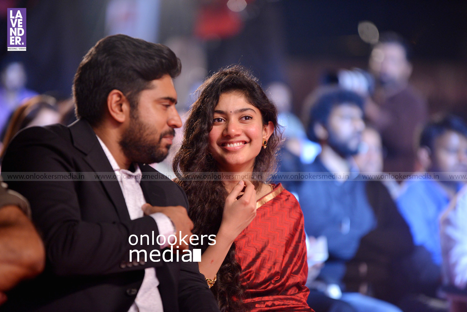 http://onlookersmedia.in/wp-content/uploads/2016/02/Nivin-Pauly-at-Asianet-Film-Award-2016-10.jpg