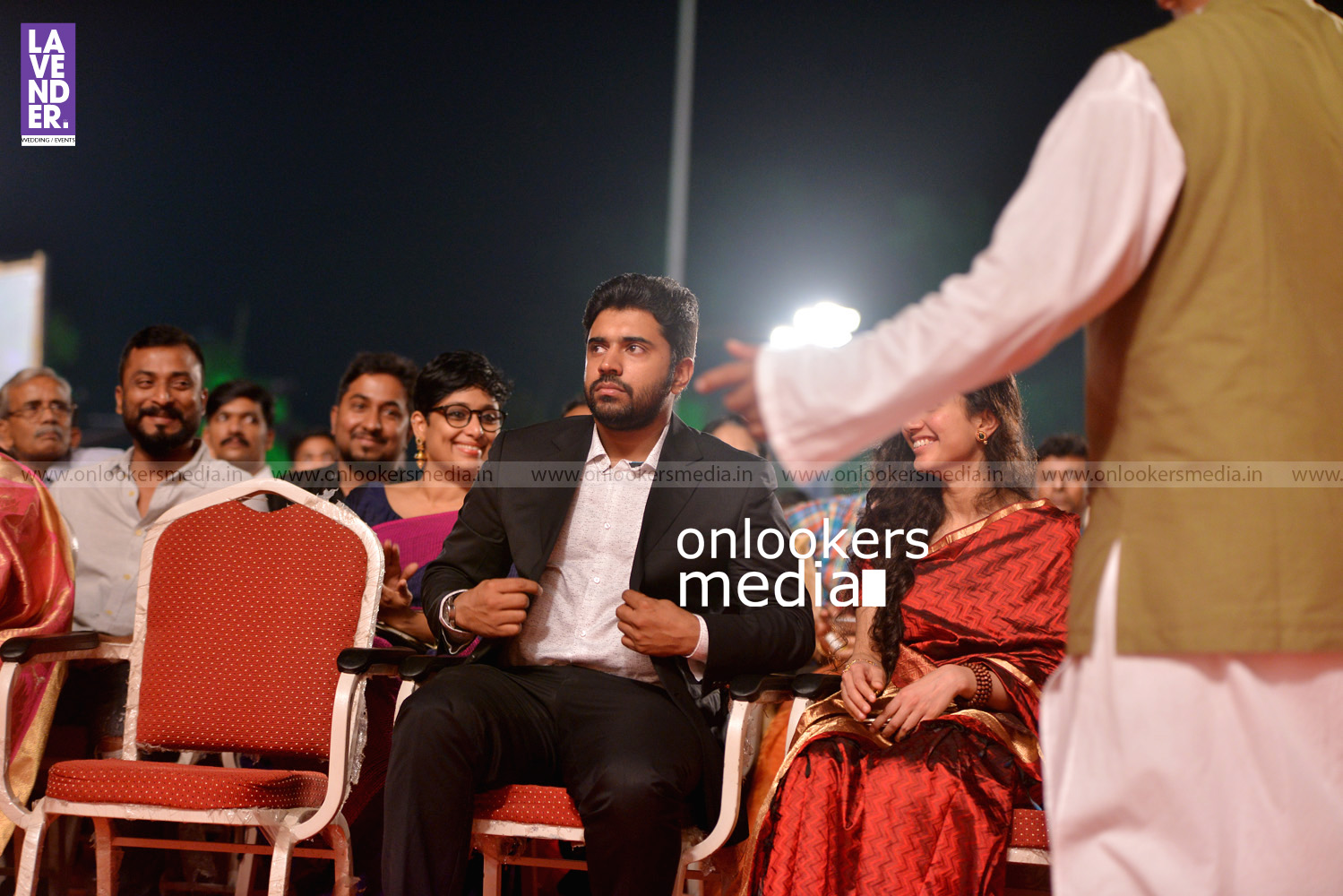 http://onlookersmedia.in/wp-content/uploads/2016/02/Nivin-Pauly-at-Asianet-Film-Award-2016-17.jpg