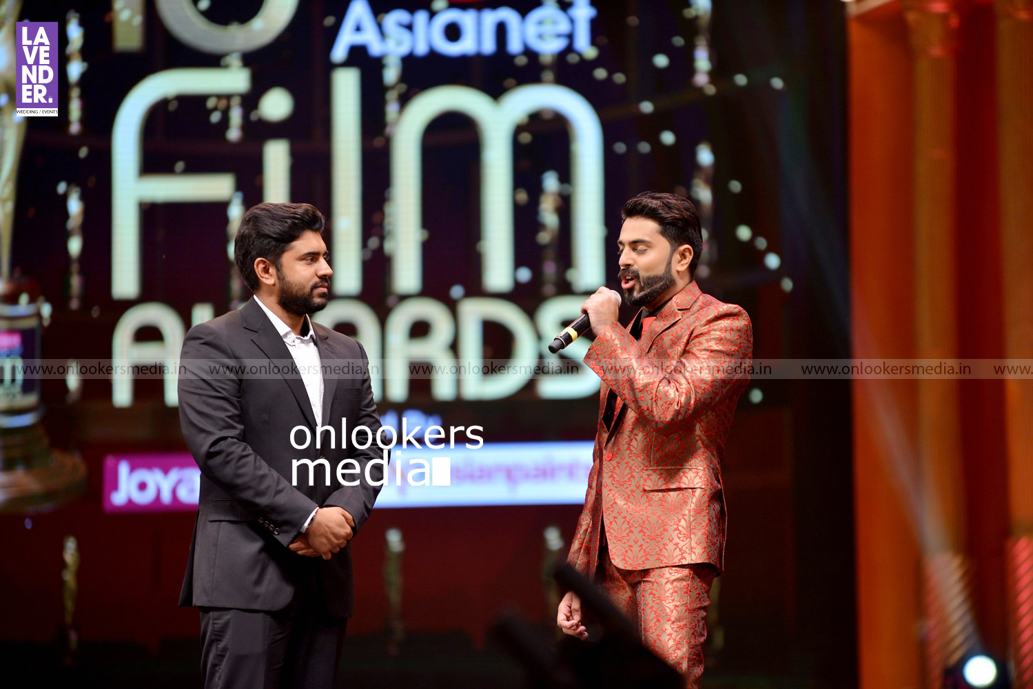 http://onlookersmedia.in/wp-content/uploads/2016/02/Nivin-Pauly-at-Asianet-Film-Award-2016-22.jpg