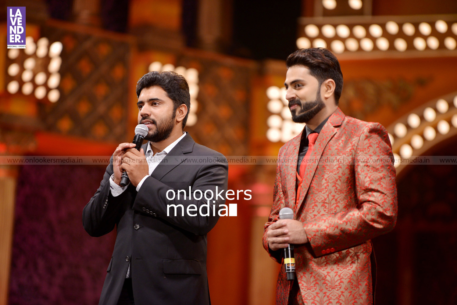 http://onlookersmedia.in/wp-content/uploads/2016/02/Nivin-Pauly-at-Asianet-Film-Award-2016-27.jpg