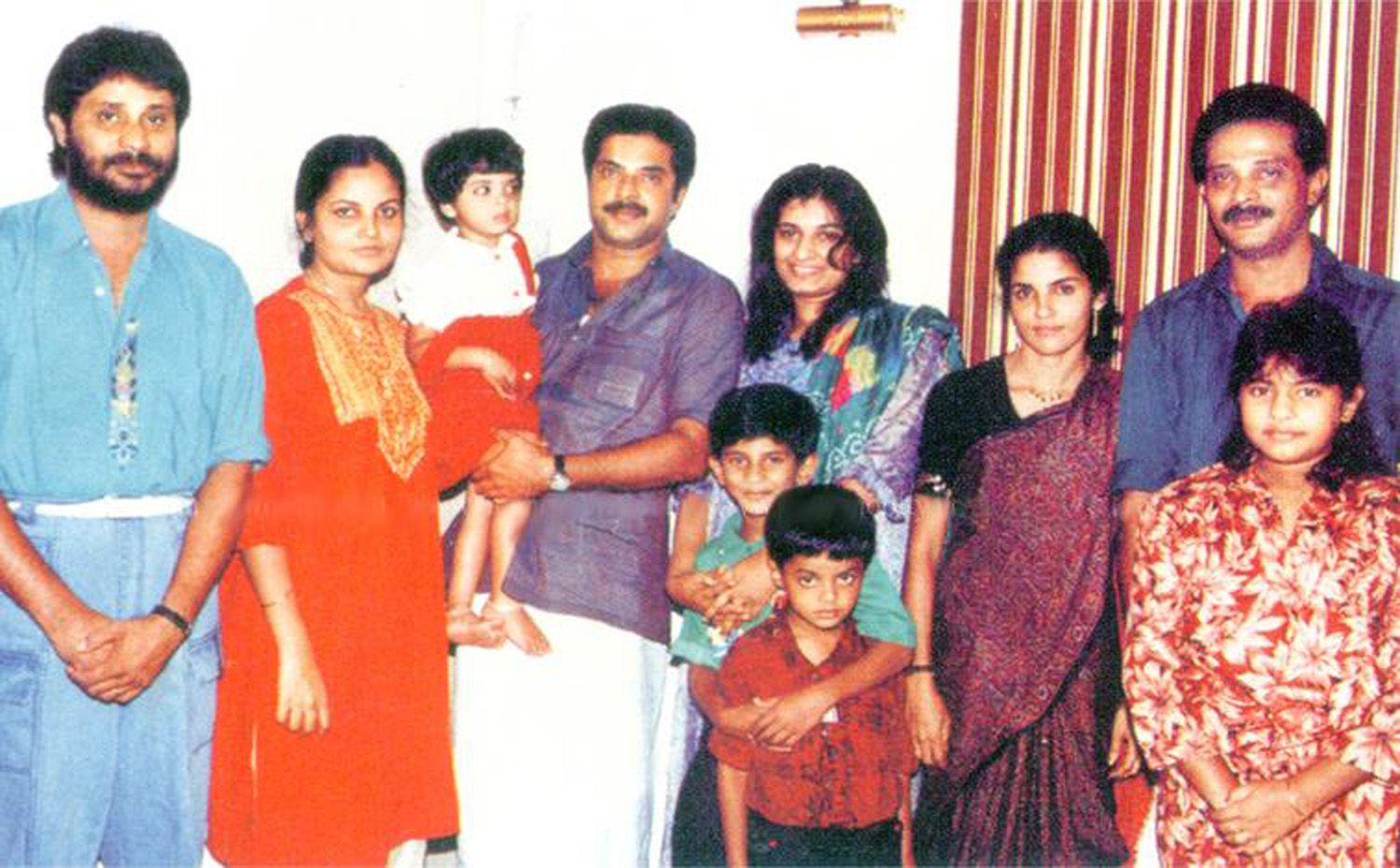 http://onlookersmedia.in/wp-content/uploads/2016/05/Mammootty-family-photos-Wife-Daughter-Son-10.jpg