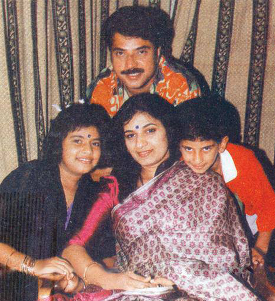 http://onlookersmedia.in/wp-content/uploads/2016/05/Mammootty-family-photos-Wife-Daughter-Son-17.jpg