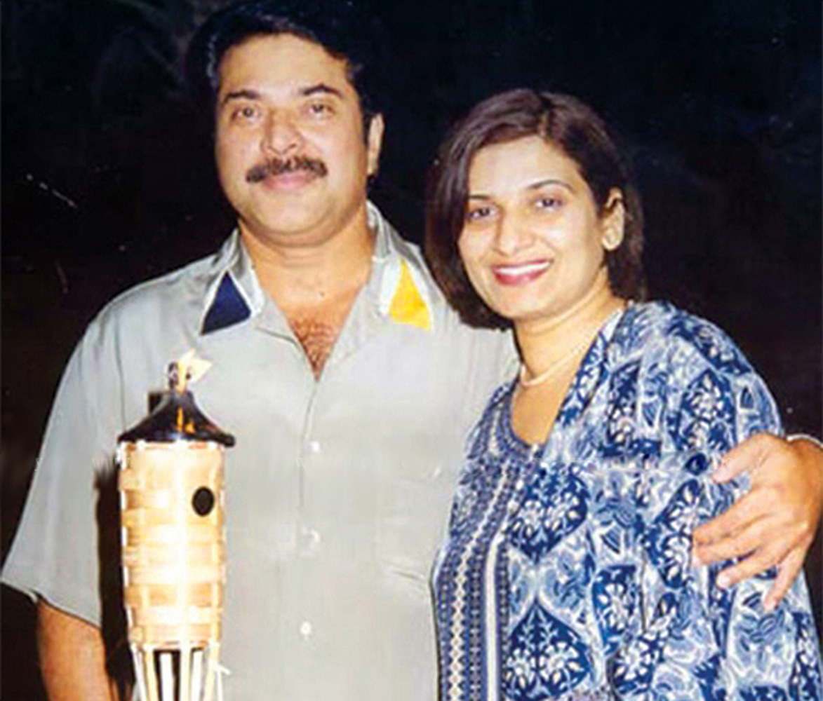 http://onlookersmedia.in/wp-content/uploads/2016/05/Mammootty-family-photos-Wife-Daughter-Son-21.jpg
