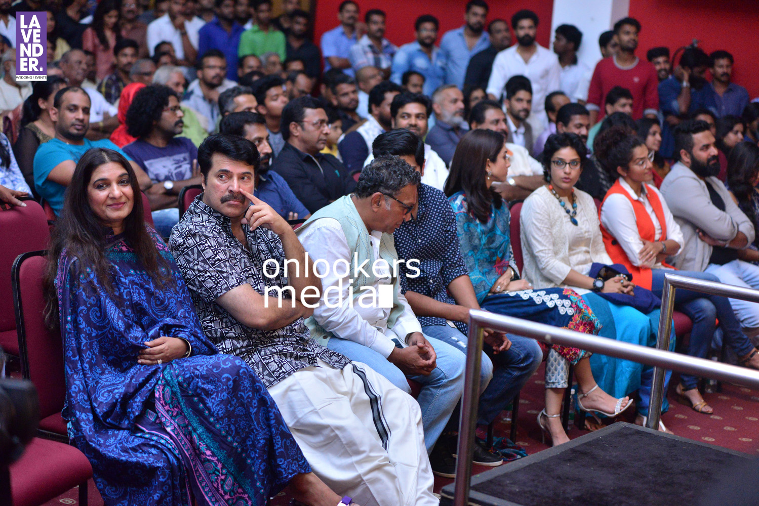 http://onlookersmedia.in/wp-content/uploads/2016/05/Mammootty-with-wife-Sulfath-mammootty-7.jpg