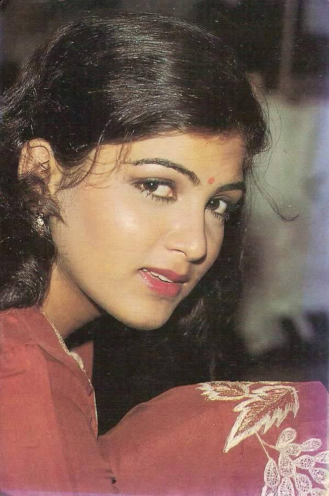 How Old Is Actress Kushboo 75