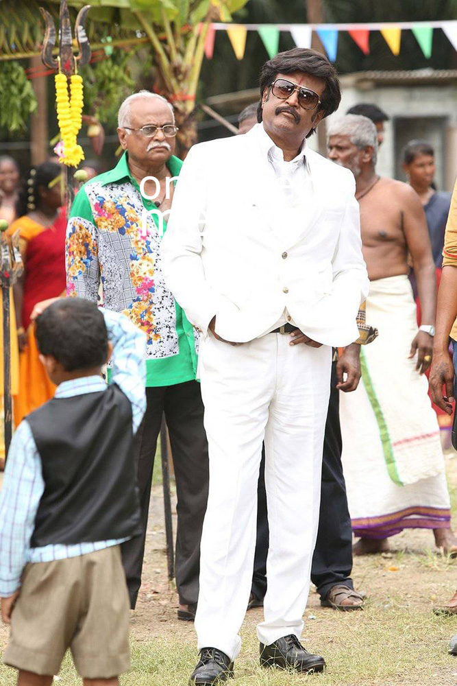 http://onlookersmedia.in/wp-content/uploads/2016/07/Rajinikanth-Kabali-stills-photos-images-pics-2.jpg