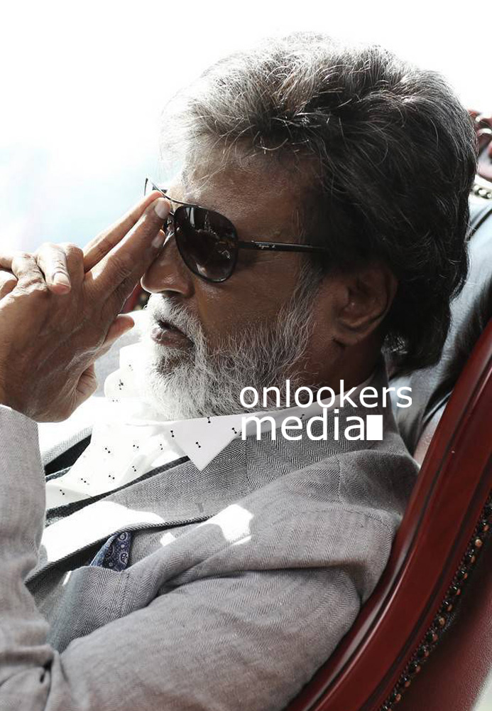 http://onlookersmedia.in/wp-content/uploads/2016/07/Rajinikanth-Kabali-stills-photos-images-pics-26.jpg